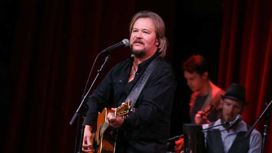 travis tritt car crash