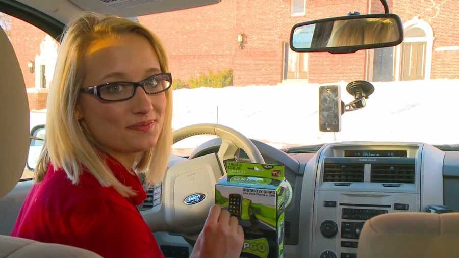 Kim wraps up the week testing the GripGo a universal phone mount so drivers can talk and drive safely.