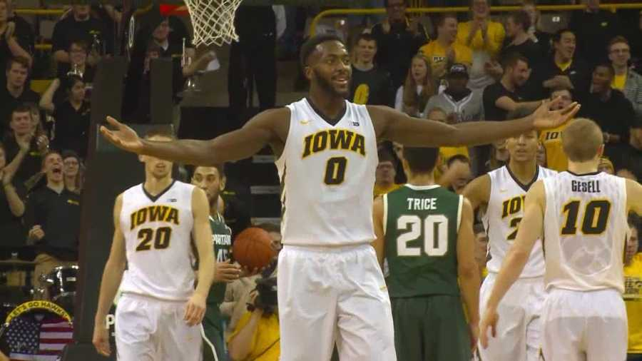 The Hawkeyes were outscored 47-22 in their first Big Ten loss of the season.