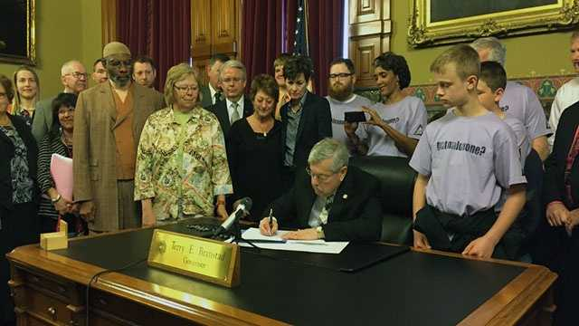 Branstad signs the bill into law.