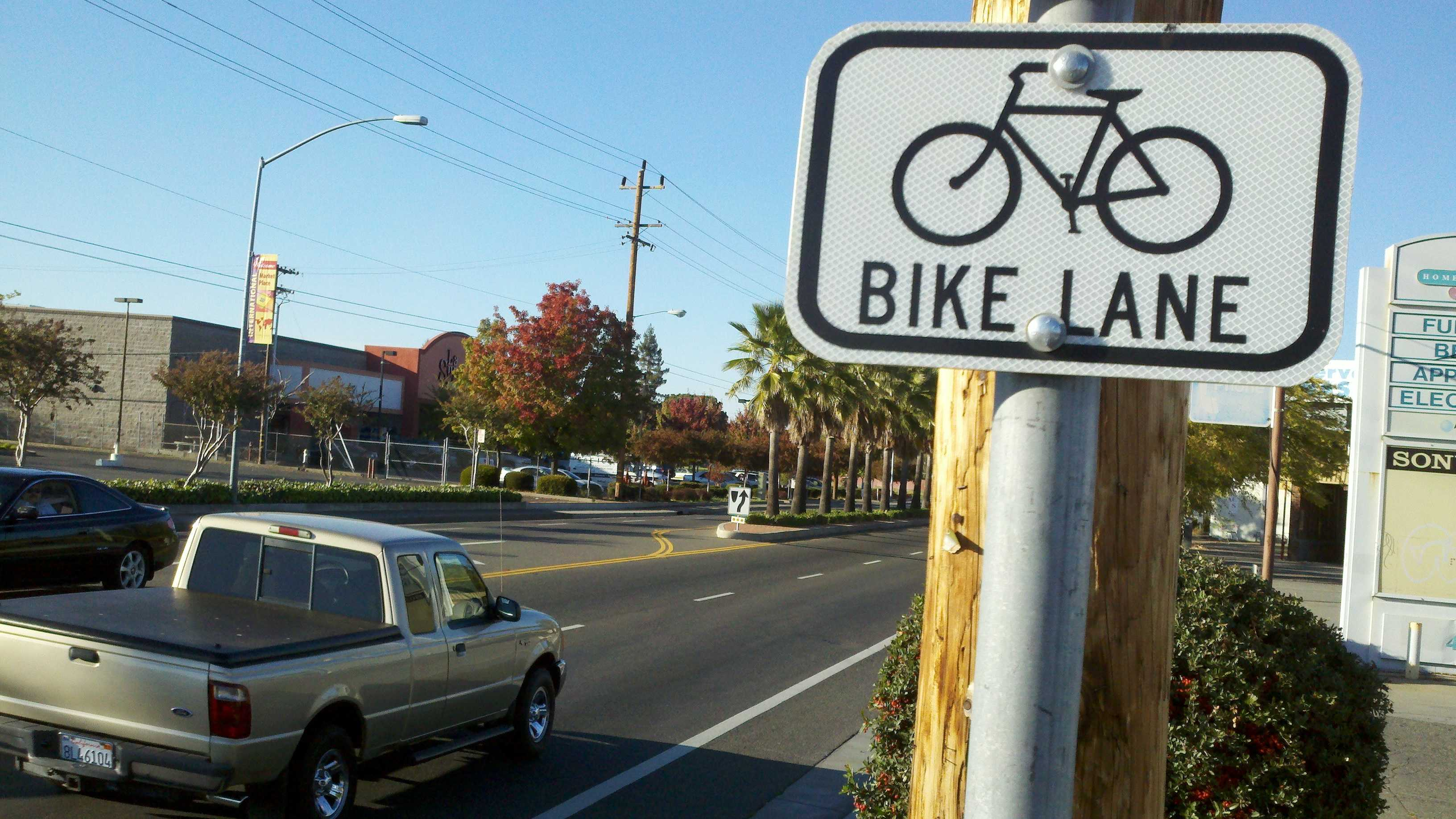 Stockton Boulevard has bike lanes where last night's deadly hit-and-run crash took place, but cycling advocates say it is still one of the city's most dangerous areas.