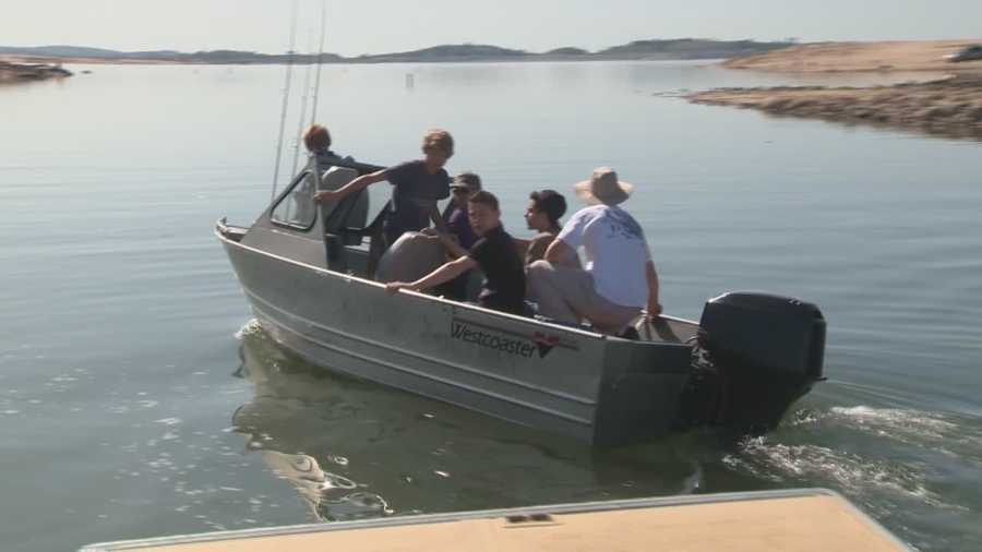 Many people loaded up their boats and headed out to Folsom Lake to take advantage of the warm weather while they can.