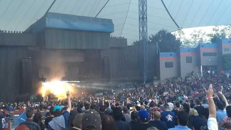 The Deftones perform at Shoreline Amphitheater earlier this year. (Aug. 26, 2015).