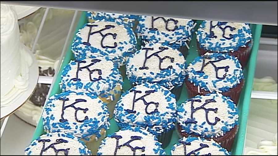 Royals fever has extended across the Kansas City metropolitan area and into bakeries, giving fans a chance to satisfy a sweet tooth and cheer on the team.