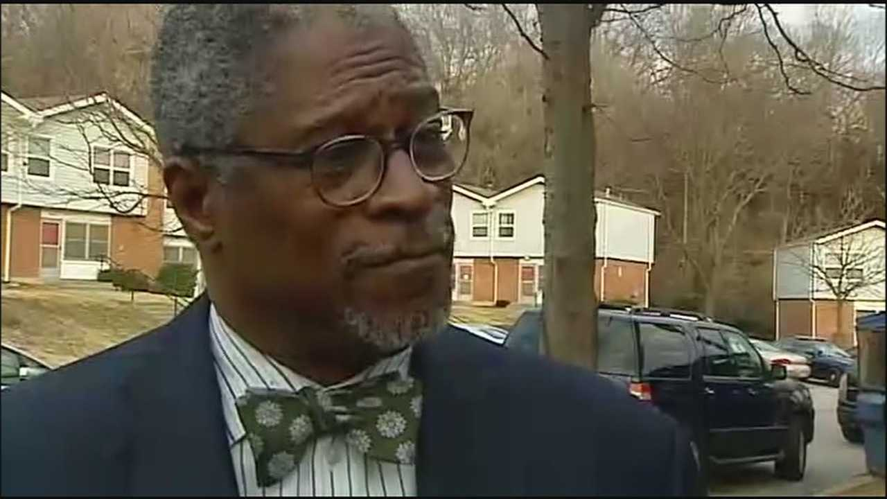 Kansas City Mayor Sly James is giving a vote of confidence to the Kansas City Police Department and Chief Darryl Forte after nine police officers are going to back to work.
