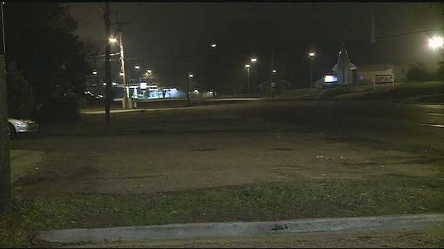 Jackson police are searching for the man who shot another man in the legs.