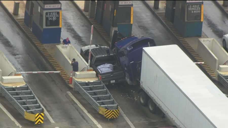 Fort McHenry Tunnel toll plaza crash