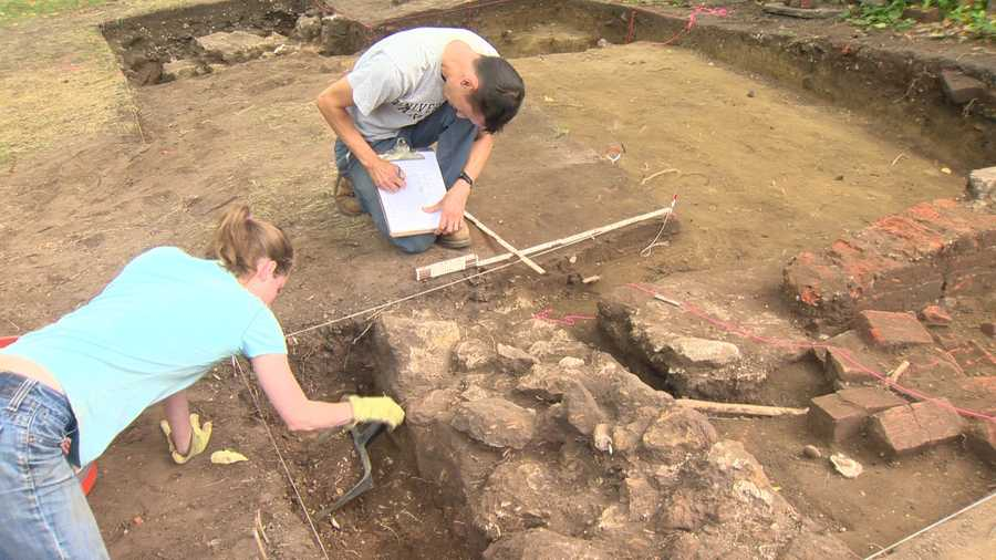 Archaeologists work on a site at the plantation home of Francis Scott Key's grandmother, where they've found many historical treasures.