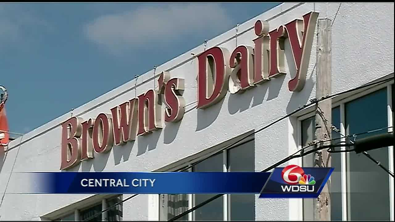 Brown's Dairy will close its milk-processing plant in Central City and move operations to the Northshore, company officials announced this week.
