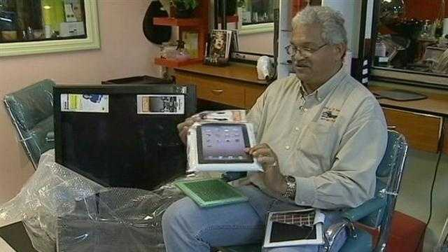 Officials in Casselberry are investigating a $1,000 iPad ripoff.