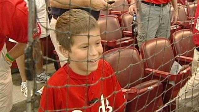 Child with leukemia gets night at Reds game