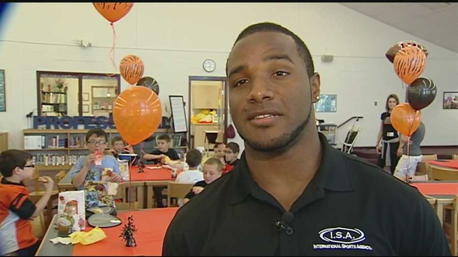 Students at Longbranch Elementary in Union, Kentucky, were rewarded with a special lunch date for completing their Read-A-Thon. Bengals running back Giovanni Bernard stopped by the school to have lunch with the students. The school with contribute to Bernards foundation to benefit a pre-school in Haiti