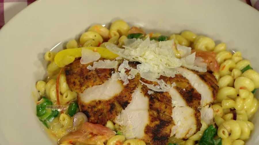 Malik Hammond of the Common Man shows how to make a delicious blackened chicken and pasta recipe.