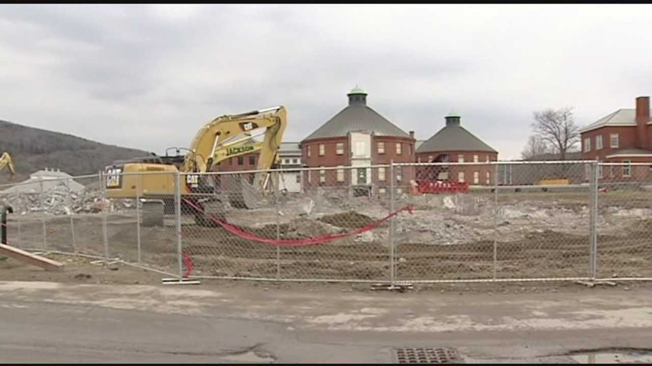 Ninety-four percent of the demolished state office complex in Waterbury will be recycled. WPTZ's Jack Thurston reports.