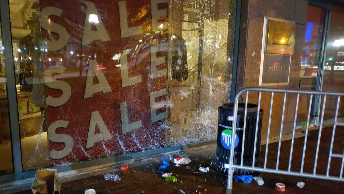 Police Arrest 14 People Find Several Properties Damaged After Saturday S Protests In Baltimore