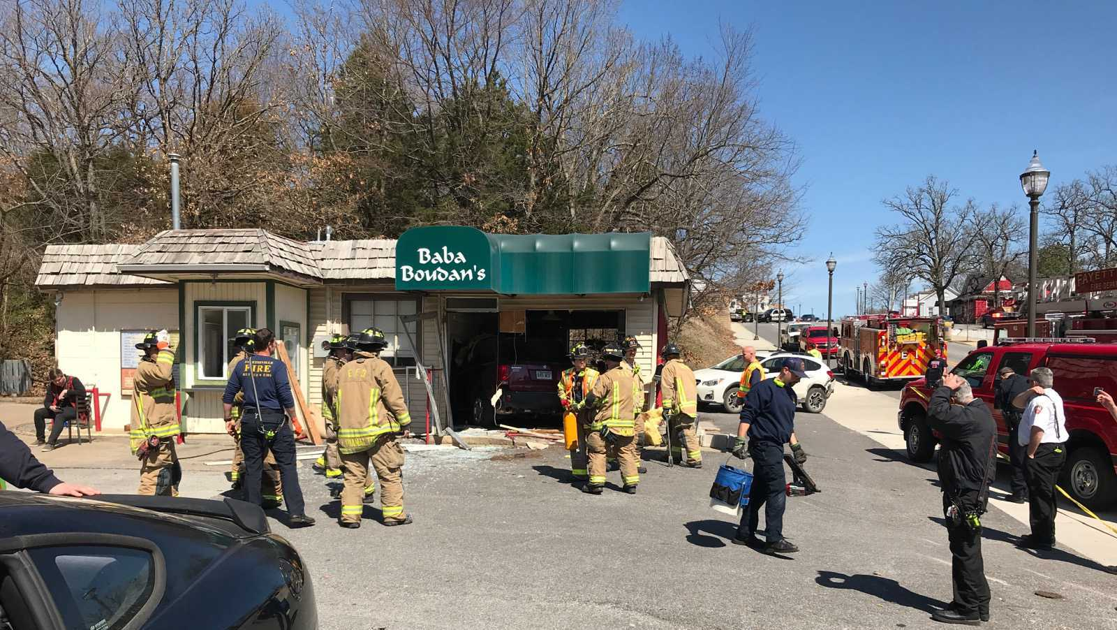 Car crashes into Fayetteville coffee shop