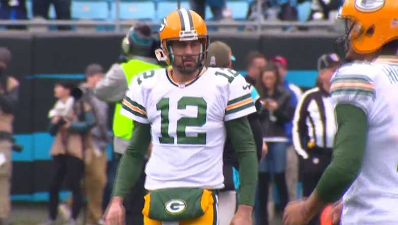 3f5f23722c2 Aaron Rodgers acknowledges he may have to play for another team like Favre  did