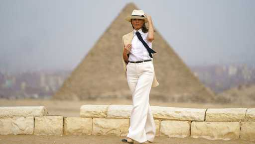 First lady Melania Trump visits the historical site of the Giza Pyramids in Giza, near Cairo, Egypt. Saturday, Oct. 6, 2018. First lady Melania Trump is visiting Africa on her first big solo international trip.