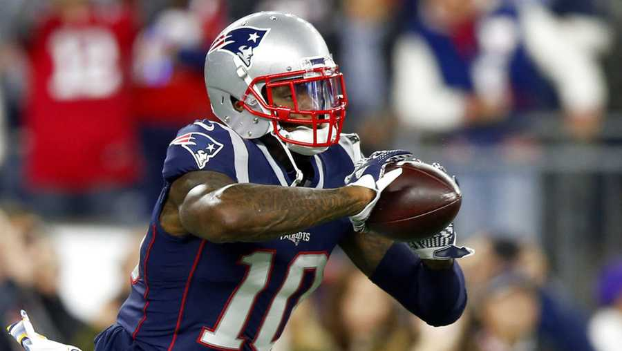 New England Patriots wide receiver Josh Gordon warms up before an NFL football game against the Kansas City Chiefs, Sunday, Oct. 14, 2018, in Foxborough, Mass. (AP Photo/Michael Dwyer)