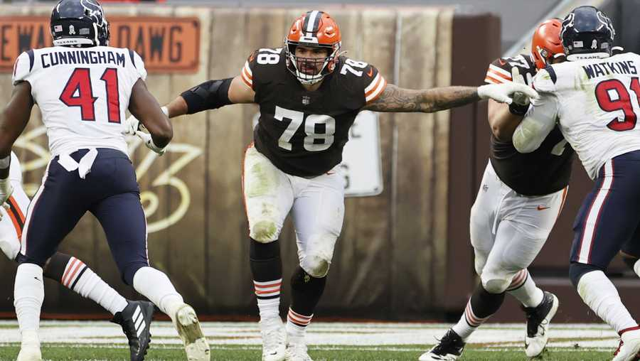 Cleveland Browns offensive tackle Jack Conklin (78) plays against the Houston Texans during the second half of an NFL football game, Sunday, Nov. 15, 2020, in Cleveland.
