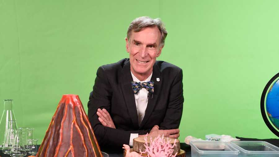 Bill Nye hosts National Park Foundation 'View-A-Thon' at Mashable on November 29, 2016 in New York City.