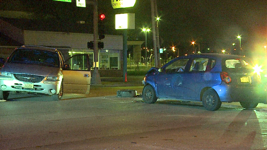 One hurt in car vs. van crash near 64th and Center