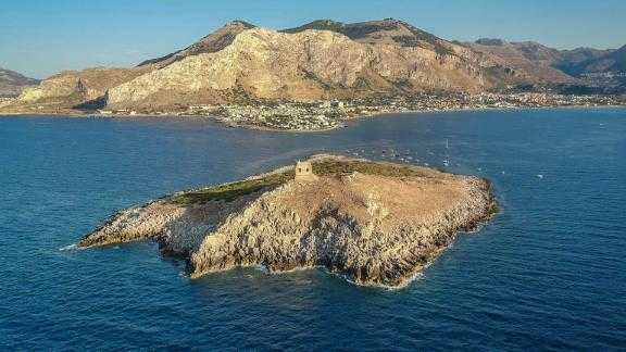 Isola delle Femmine is in the heart of a scuba diving and snorkeling mecca off the coat of Sicily.It could be yours for $1.1million.