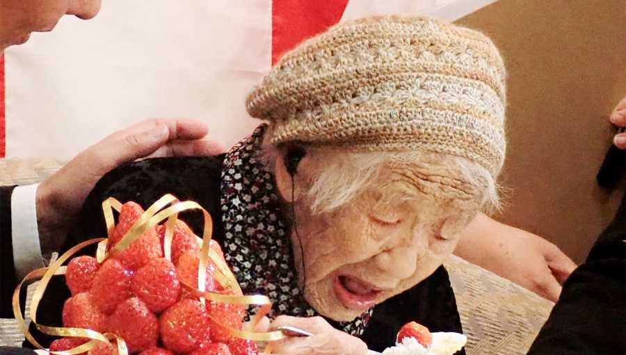 Kane Tanaka celebrates with the official recognition of Guinness World Records' world's oldest verified living person in Fukuoka on March 9, 2019.