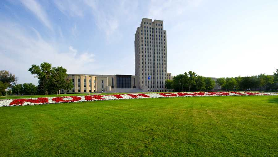 Photo taken August 18, 2013 shows the state Capitol of North Dakota at Bismarck. AFP PHOTO / Karen BLEIER