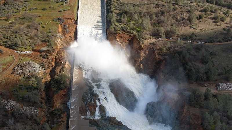 Damaged Oroville Dam / Feb. 2017