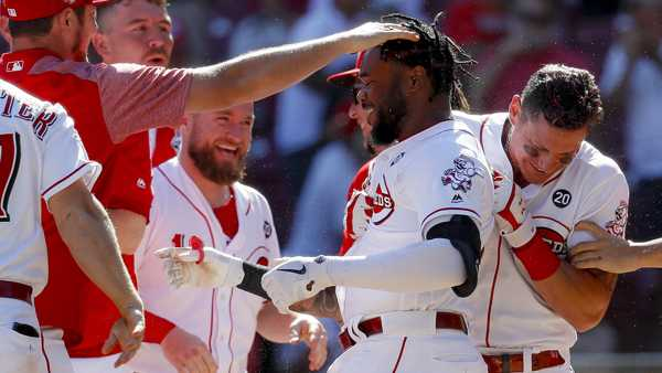 Ervin's 11th-inning homer lifts Reds over Phillies 4-3