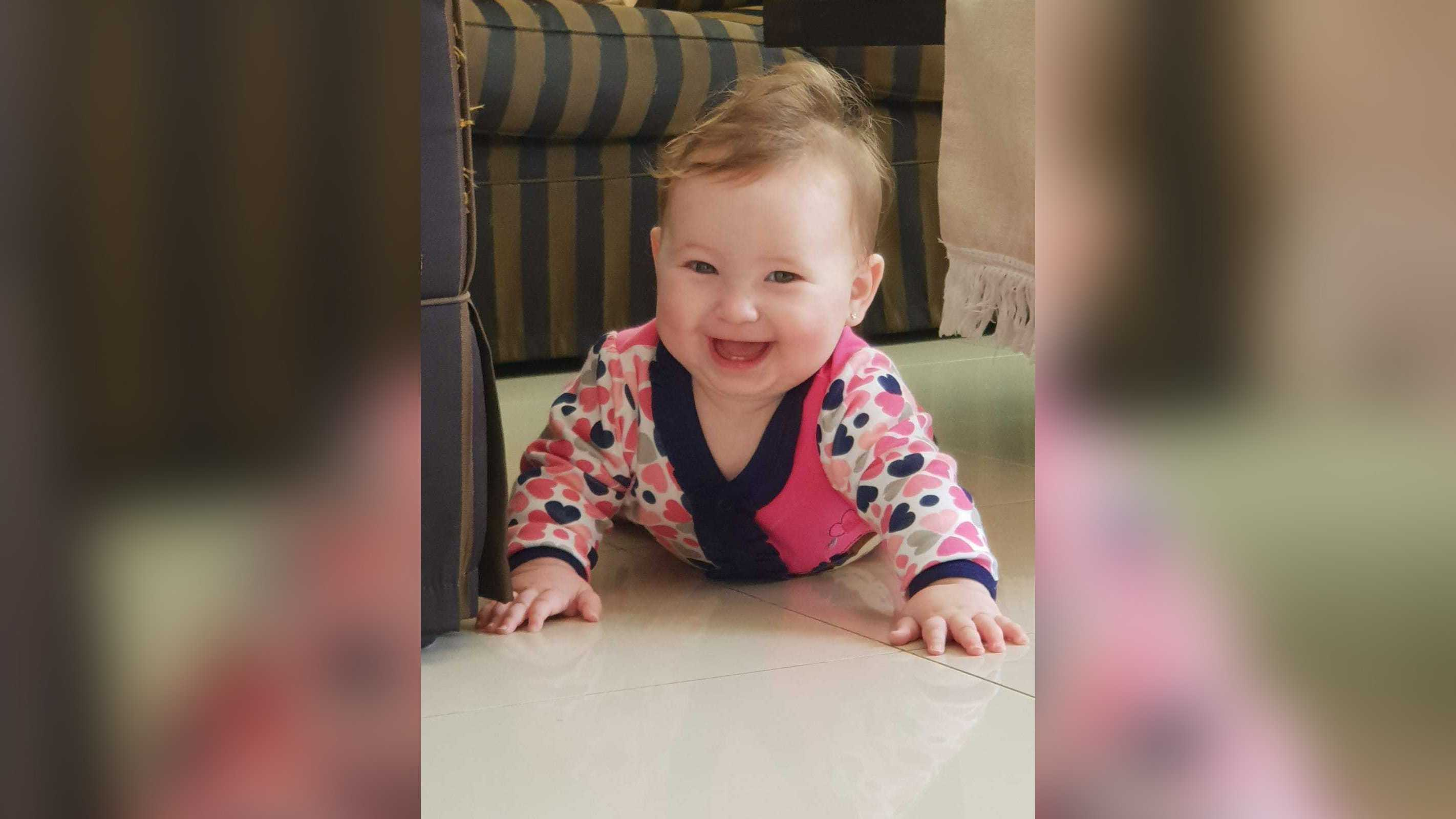 Mother believes her baby got measles because of anti-vaxxers thumbnail