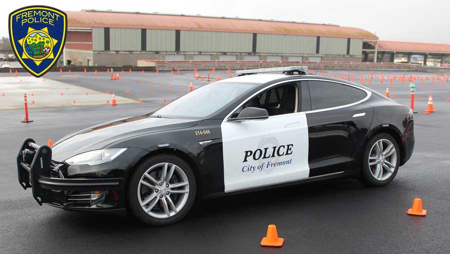 A Tesla electric patrol car belonging to a police department in San Francisco ran low on power in the middle of a pursuit.