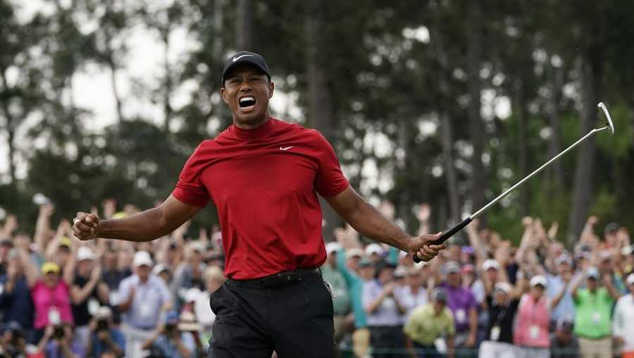 Woods wins first Masters since 2005