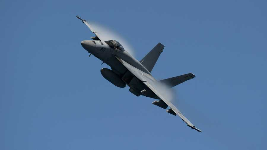 A US Navy F/A-18E Super Hornet jet crashed Wednesday near Naval Air Weapons Station China Lake in California, according to US Naval Air Forces.