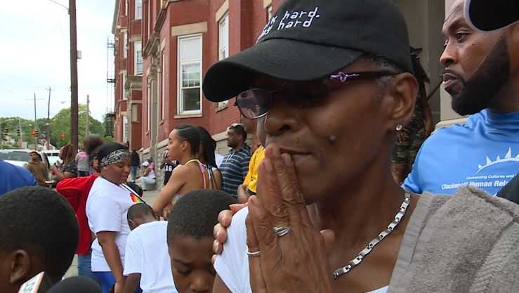 Emotional mother of Cincinnati man shot and killed on video pleads for change