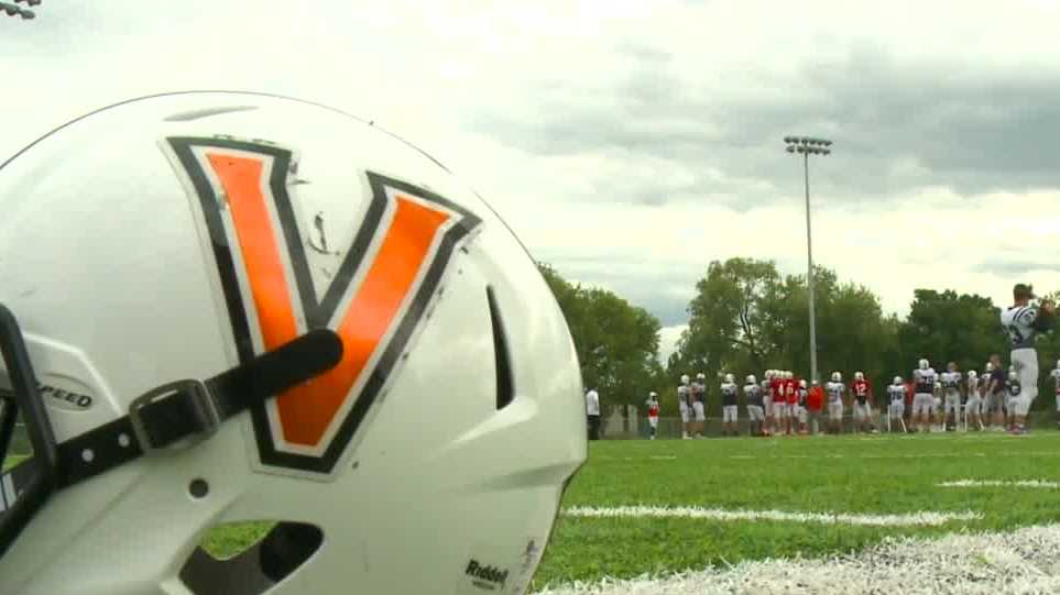 Out-of-state high school players relocate to Iowa for football