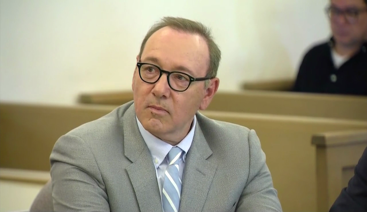 Kevin Spacey accuser invokes 5th Amendment thumbnail